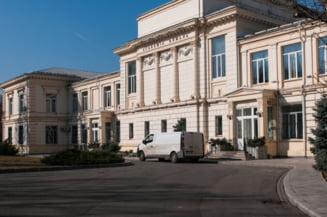 """Academia Romana considera ca diminuarea numarului de ore de stiinte, propusa in planul cadru pentru invatamantul gimnazial, ar compromite """"competitivitatea inalta"""""""