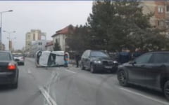 Accident, acum, in Brasov. Trei masini implicate