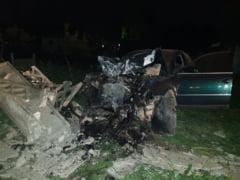 Accident TERIBIL: masina FACUTA PRAF!