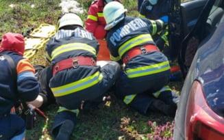 Accident cu 8 persoane implicate pe DN2A. O singura persoana a fost ranita
