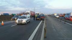 Accident cu un tir si doua masini pe Autostrada Bucuresti-Pitesti: 11 victime, dintre care doua ranite grav (Foto)