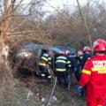 Accident cumplit in Valcea. Doi barbati au murit dupa ce masina lor s-a izbit de un copac. Martorul tragediei, care ar fi un amic, a fugit de la fata locului