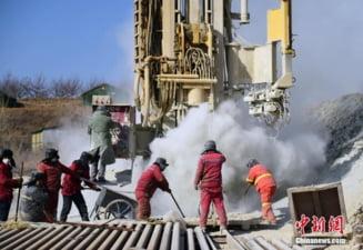 Accident cumplit intr-o mina de aur. Minerii prinsi in subteran ar putea astepta inca 15 zile pentru a fi salvati