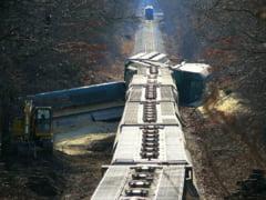Accident de amploare in Portugalia. Cel putin un mort si zeci de raniti dupa coliziunea unui tren cu un utilaj de mentenanta feroviara