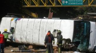 Accident de autocar in Mexic: 26 de persoane au murit