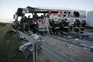Accident de autocar in Ungaria - patru turisti romani au murit (Video)