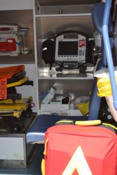 Accident de microbuz in Iasi: O persoana a murit, alte 6 sunt la spital