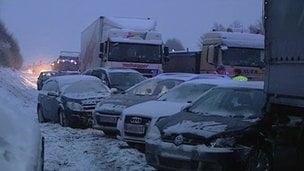Accident de proportii in Austria: 100 de masini implicate, cel putin un mort