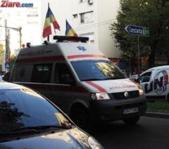 Accident grav cu microbuz scolar - Cinci copii si un adult, raniti