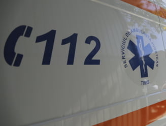 Accident grav de circulatie la Cotmeana, pe DN 7. O persoana a murit in urma impactului cu un parapet