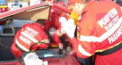 Accident grav in Sibiu. O soferita a intrat in plin intr-o masina care venea din sens opus