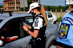 Accident grav in Valcea: O ambulanta, un TIR si o autoutilitara s-au ciocnit pe DN7