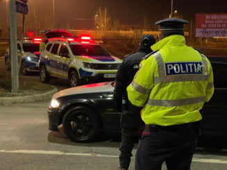 Accident grav in Vrancea. Doi copii si doi adulti, raniti. Traficul este blocat