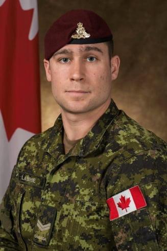 Accident grav la un exercitiu militar in Bulgaria: Un parasutist canadian a murit, iar alti trei, din Canada si SUA, au fost raniti
