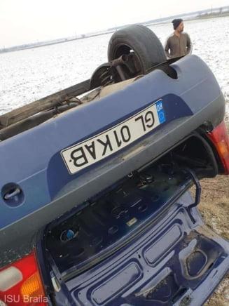Accident grav produs in Braila, dupa ce un autoturism a intrat pe contrasens si a acrosat un TIR. Soferul, transportat la spital