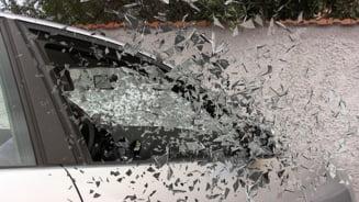 Accident in Maramures: Doua masini s-au tamponat, sase persoane au fost ranite
