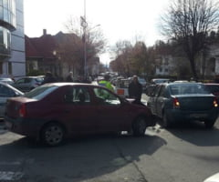 Accident in fata Bibliotecii din Ramnicu Valcea
