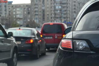 Accident in lant in Pasajul Baneasa din Capitala: Abia se circula spre Otopeni