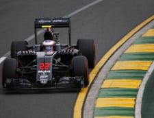 Accident ingrozitor in primul Mare Premiu la Formula 1 in 2016. Masina lui Fernando Alonso a fost grav avariata (Video)