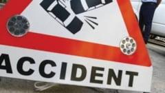 Accident la Campeni: O tanara, la spital, dupa ce masina in care se afla s-a izbit de un parapet. Soferul este cercetat