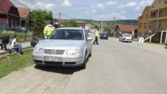 Accident la Dumitra! O mamica si baietelul ei au fost loviti pe trecerea de pietoni