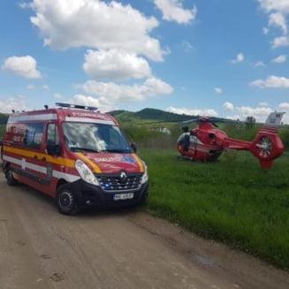 Accident la Nimigea de Jos. Un barbat accidentat grav, preluat de elicopterul SMURD