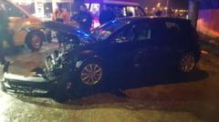 Accident la Slatina. Un tanar a ajuns la spital, dupa ce autoturismul sau a rupt gardul unui imobil