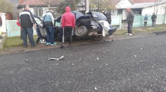 Accident mortal in comuna Curtisoara. O persoana a murit in urma coliziunii violente dintre doua masini