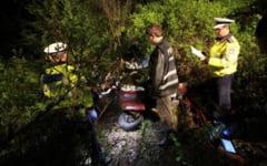 Accident mortal pe soseaua Hateg - Caransebes: sofer ucis in impactul masinii cu un copac