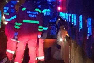 Accident necrutator intre Oradea - Cluj: un sofer de tir a fost strivit de propriul camion