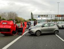 Accident pe Autostrada Soarelui. O masina a intrat in parapetul median, trei persoane fiind ranite
