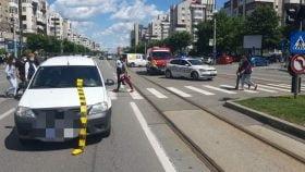 Accident pe Calea Bucuresti. Victima, se pare, a traversat pe rosu.