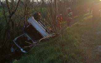 Accident pe DN2. A scapat fara nicio zgarietura dupa ce s-a rasturnat cu masina