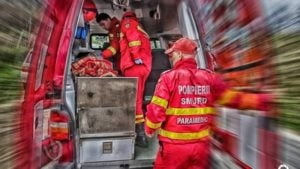 Accident pe DN73. Autoturism iesit in decor