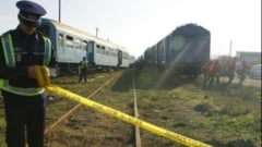 Accident pe calea ferata. Un tren a lovit un tir in judetul Arad