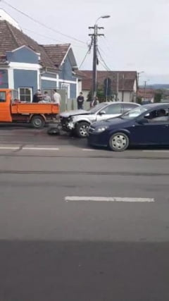 Accident pe strada Oasului. Oamenii i-au cerut primarului solutii, dar degeaba - VIDEO