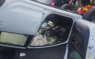 Accident pe un bulevard din Turnu Severin. O masina a ajuns cu rotile in sus