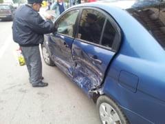 Accident provocat de soferul unui Hyundai care a trecut pe rosu