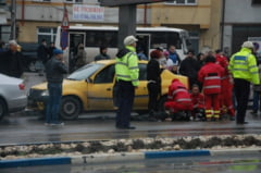 Accident provocat de un taximetrist care a facut infarct la volan