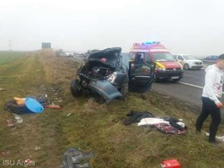 Accident rutier grav pe A1 in sensul spre Bucuresti. Doua autoturisme s-au ciocnit puternic si au ajuns in afara carosabilului
