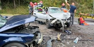 Accident rutier in municipiul ToplitaTrei persoane, dintre care una incarcerata, au avut nevoie de asistenta medicala