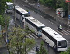Accident spectaculos. Acoperisul unui autocar spaniol a fost smuls intr-un tunel
