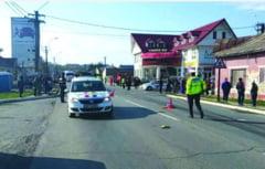 Accident teribil la Podu Iloaiei! O femeie, lovita mortal pe trecere si tarata de un TIR sute de metri