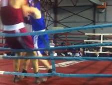 Accidentare grava la box: A cazut in cap din ring! (Video)