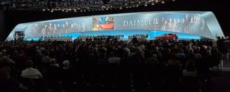 Actionari ai Daimler s-au certat la adunarea generala din cauza carnaciorilor serviti la bufet