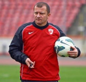 Actionarii lui Dinamo, pacaliti de Dorinel Munteanu?