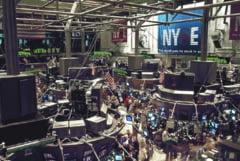 Actiunile si dolarul au crescut miercuri la nivel global, in urma alegerilor neconcludente din SUA