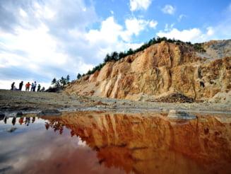 Activist de mediu: Basescu influenteaza prin antepronuntarea in cazul Rosia Montana