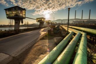 Activitatea minelor din Valea Jiului revine la normal. Primul tren cu carbune pleaca marti catre Deva, unde 4.000 de apartamente nu au apa calda si caldura