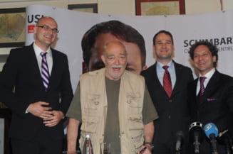 Actorii Mircea Albulescu si George Ivascu il sustin pe Robert Negoita la sectorul 3